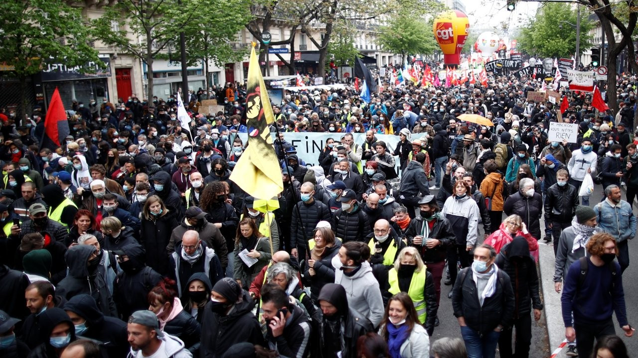 Paris'te 1 Mayıs'a polis saldırısı: En az 17 kişi gözaltına alındı