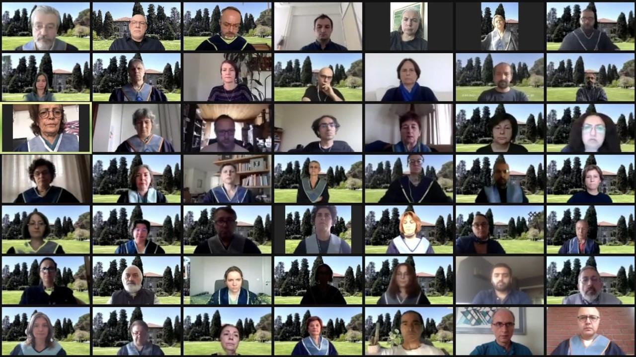 Boğaziçi Üniversitesi öğretim üyeleri nöbetlerine çevrimiçi devam etti