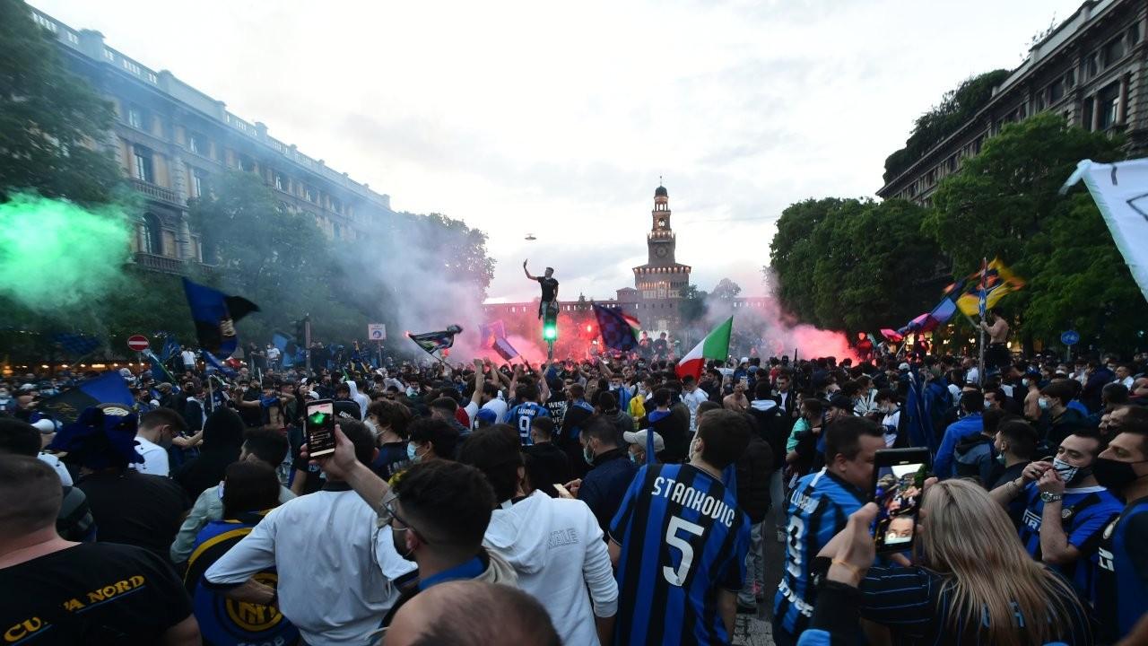 Binlerce kişi Inter'in şampiyonluğunu kutladı