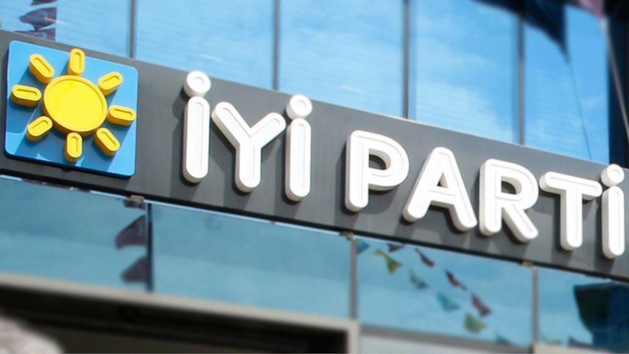 Çorum İYİ Parti'de dört başkan yardımcısı istifa etti