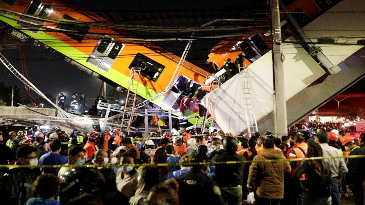 Meksika'da metro köprüsü yolun üzerine yıkıldı: 20 ölü
