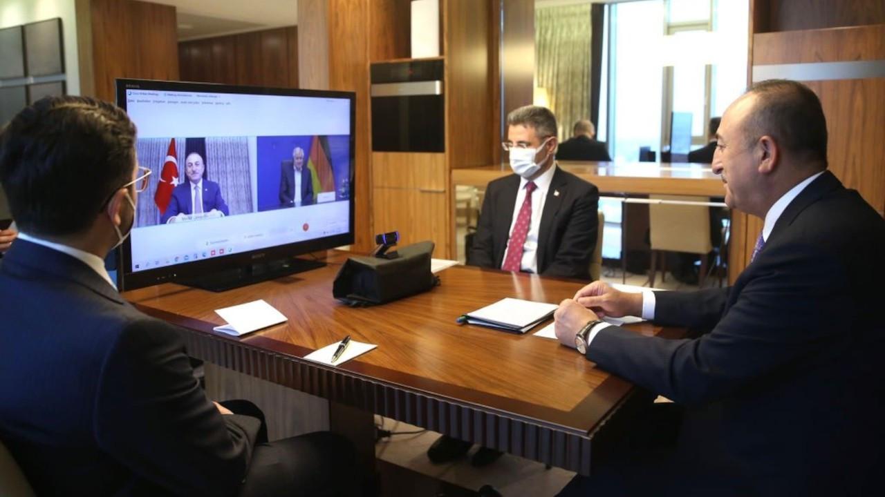 Mevlüt Çavuşoğlu, Almanya İçişleri Bakanı Seehofer'le görüştü