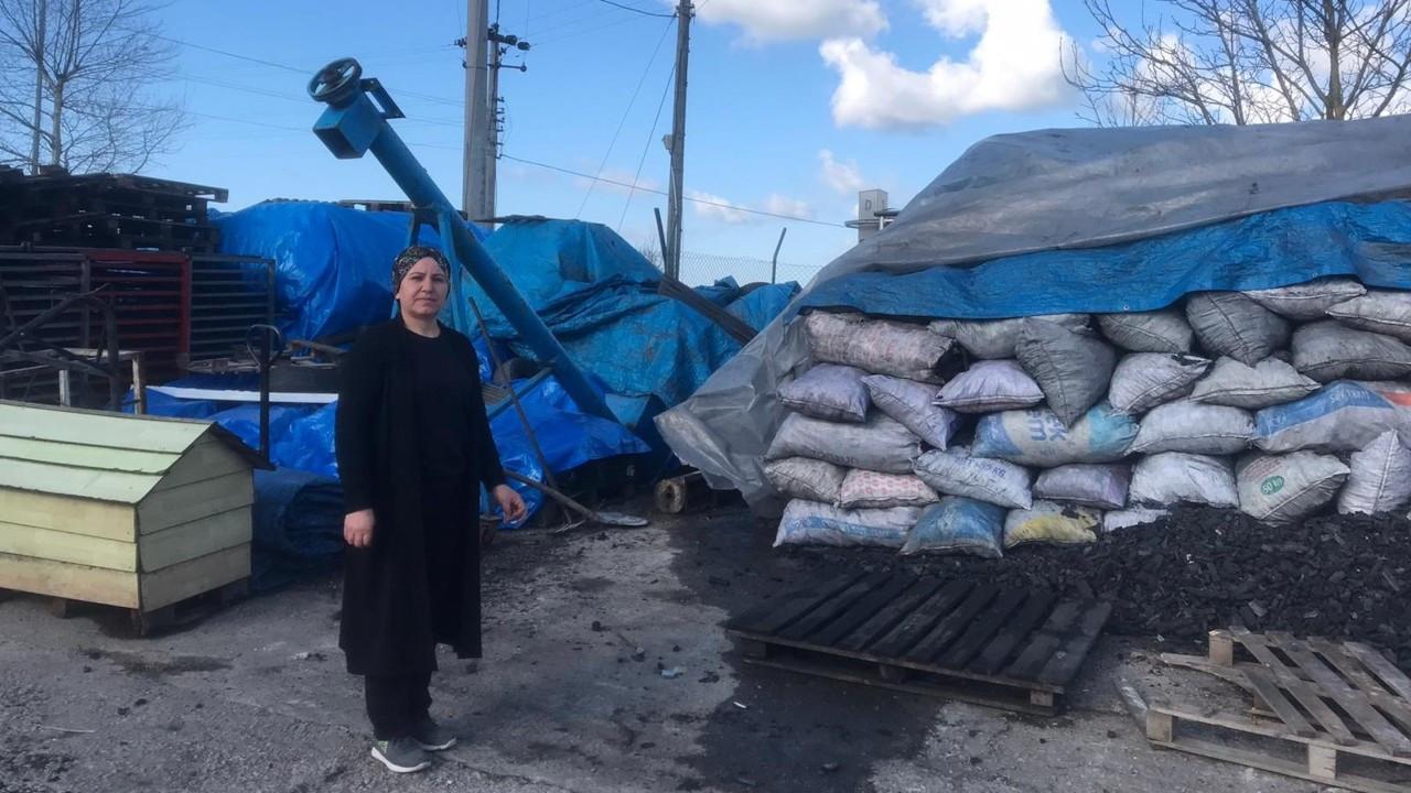 Üretim yeri elinden alınan kadın girişimci makinelerini ilçeye yığdı