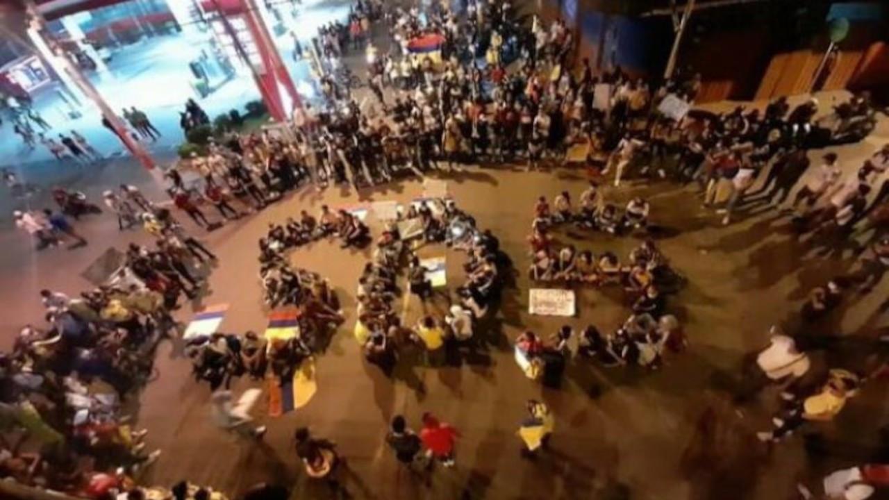 Kolombiya'da hükümet karşıtı gösterilerde en az 23 eylemci öldü