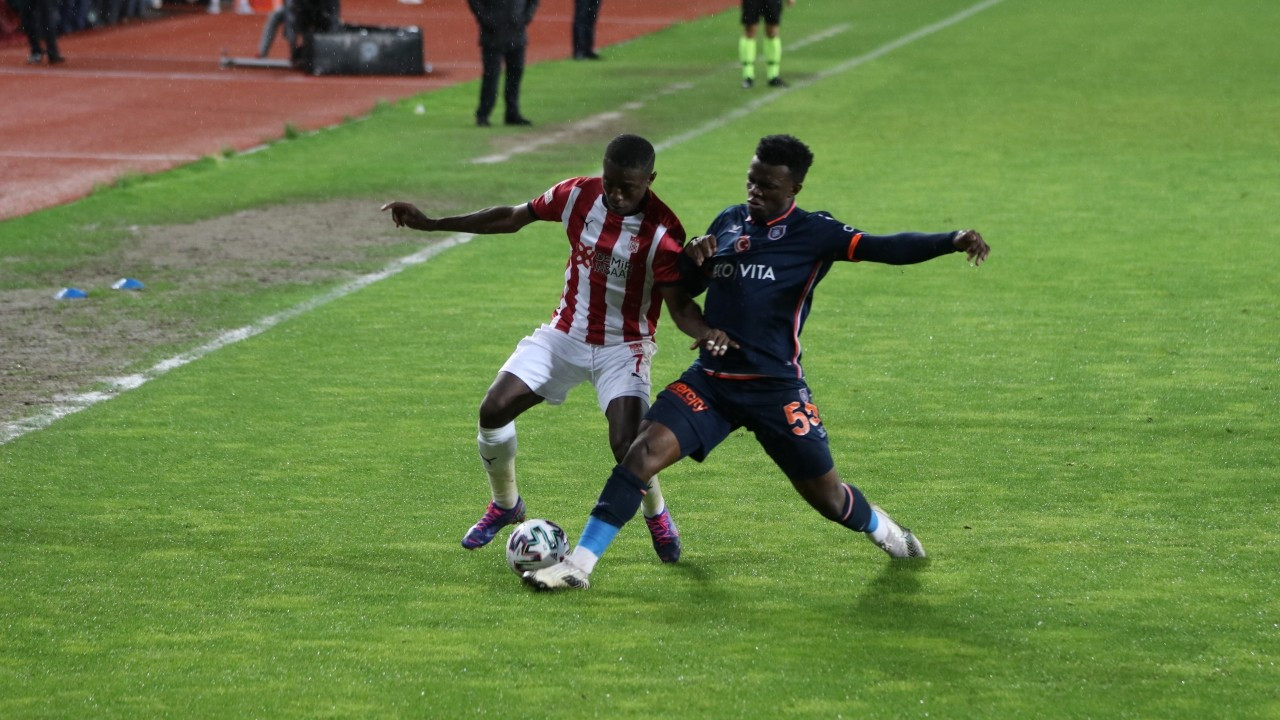 Sivasspor yenilmezlik serisini 17 maça yükseltti