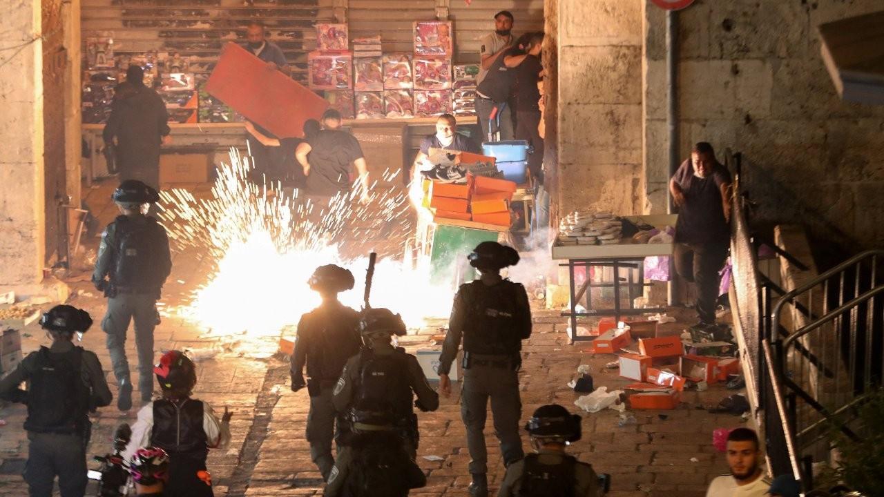 Mescid-i Aksa gerilimi sürüyor: İsrail polisinin saldırısında en az 90 Filistinli yaralandı