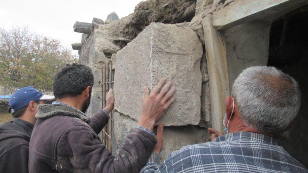 Interpol'ün aradığı 3 bin 300 yıllık yazıt ev inşaatından çıktı