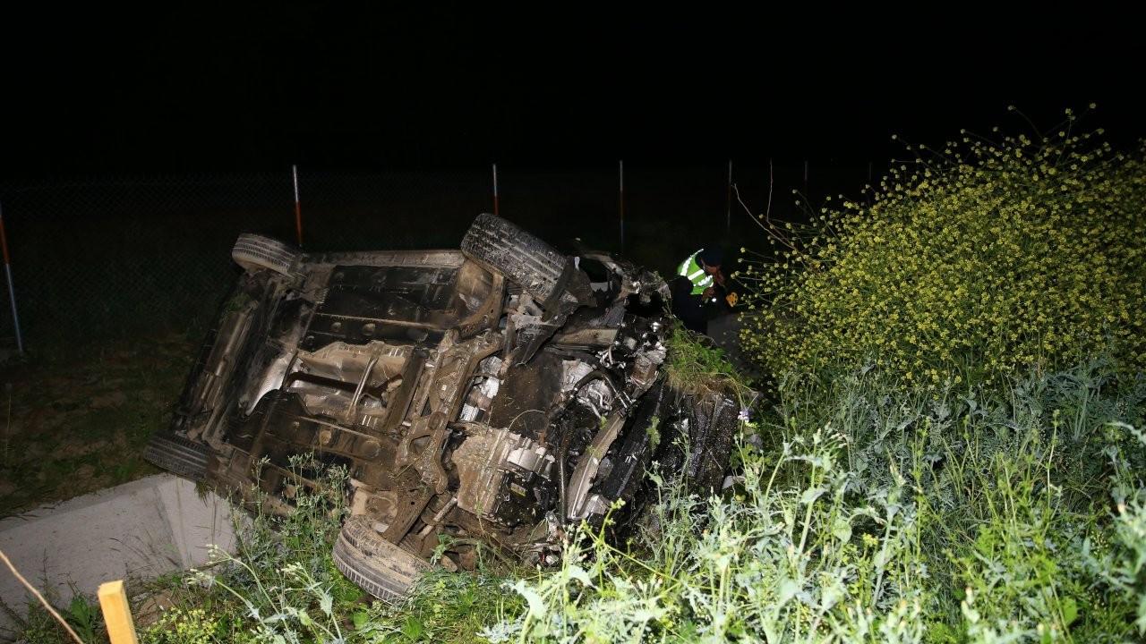 Domuza çarpan araç kaza yaptı: 6 yaralı