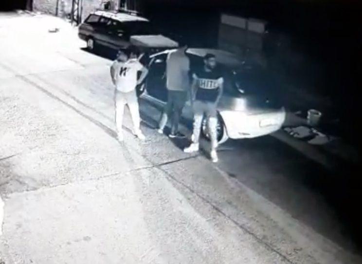 Adana'da 3 kadını yaralayan şüphelilerin saldırı anı görüntülendi - Sayfa 1