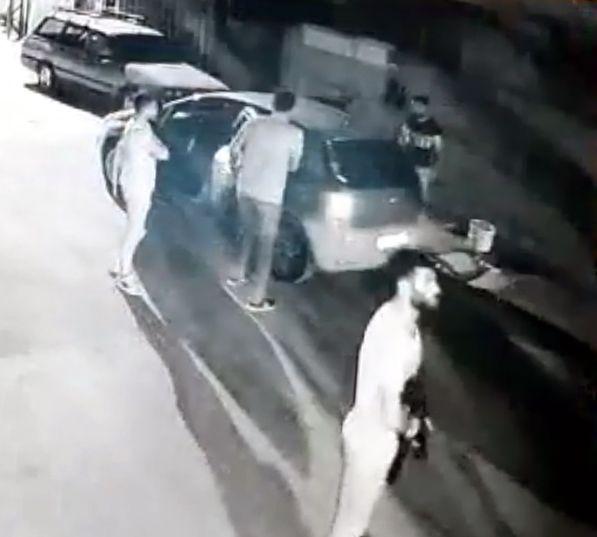 Adana'da 3 kadını yaralayan şüphelilerin saldırı anı görüntülendi - Sayfa 3