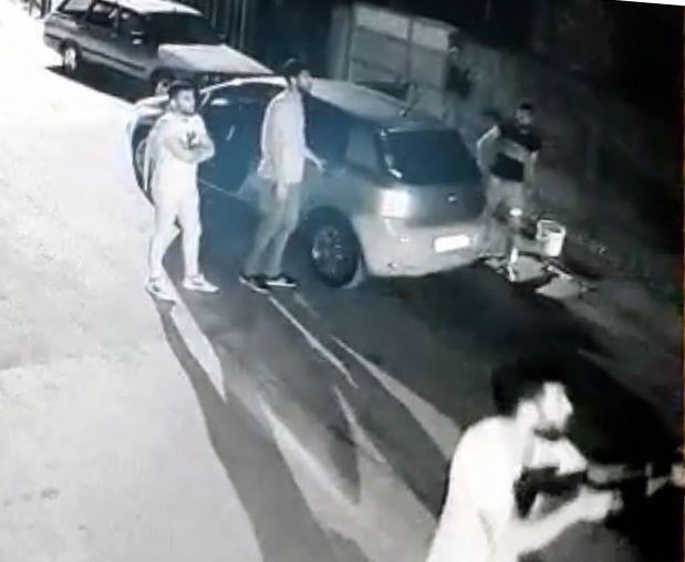 Adana'da 3 kadını yaralayan şüphelilerin saldırı anı görüntülendi - Sayfa 4