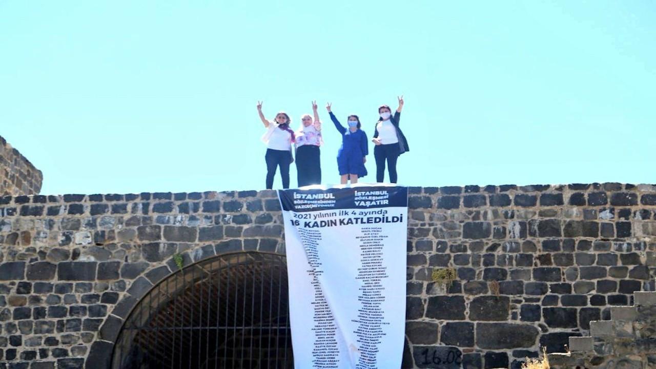 HDP'li vekiller Diyarbakır surlarına pankart astı: Son söz söylenmedi