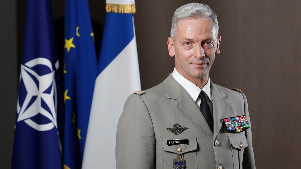 Fransa Genelkurmay Başkanı'ndan 'muhtıracı' askerleri istifa çağrısı