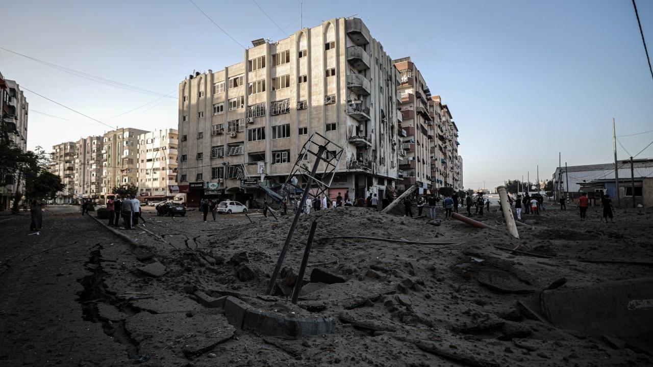 İsrail'in Gazze'ye saldırılarında ölenlerin sayısı 65'e yükseldi