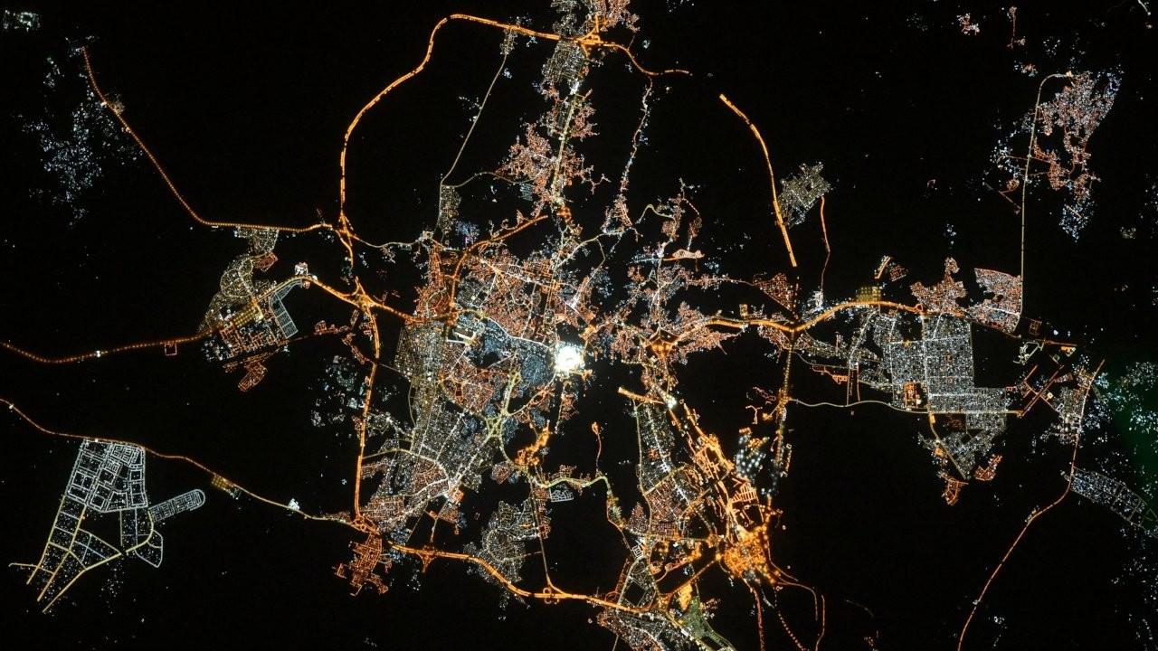 Fransız astronottan 'uzaydan Kabe' paylaşımıyla bayram tebriği