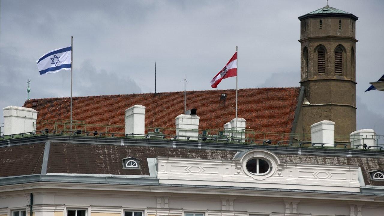 İran'dan devlet binalarına İsrail bayrağı asan Avusturya'ya protesto