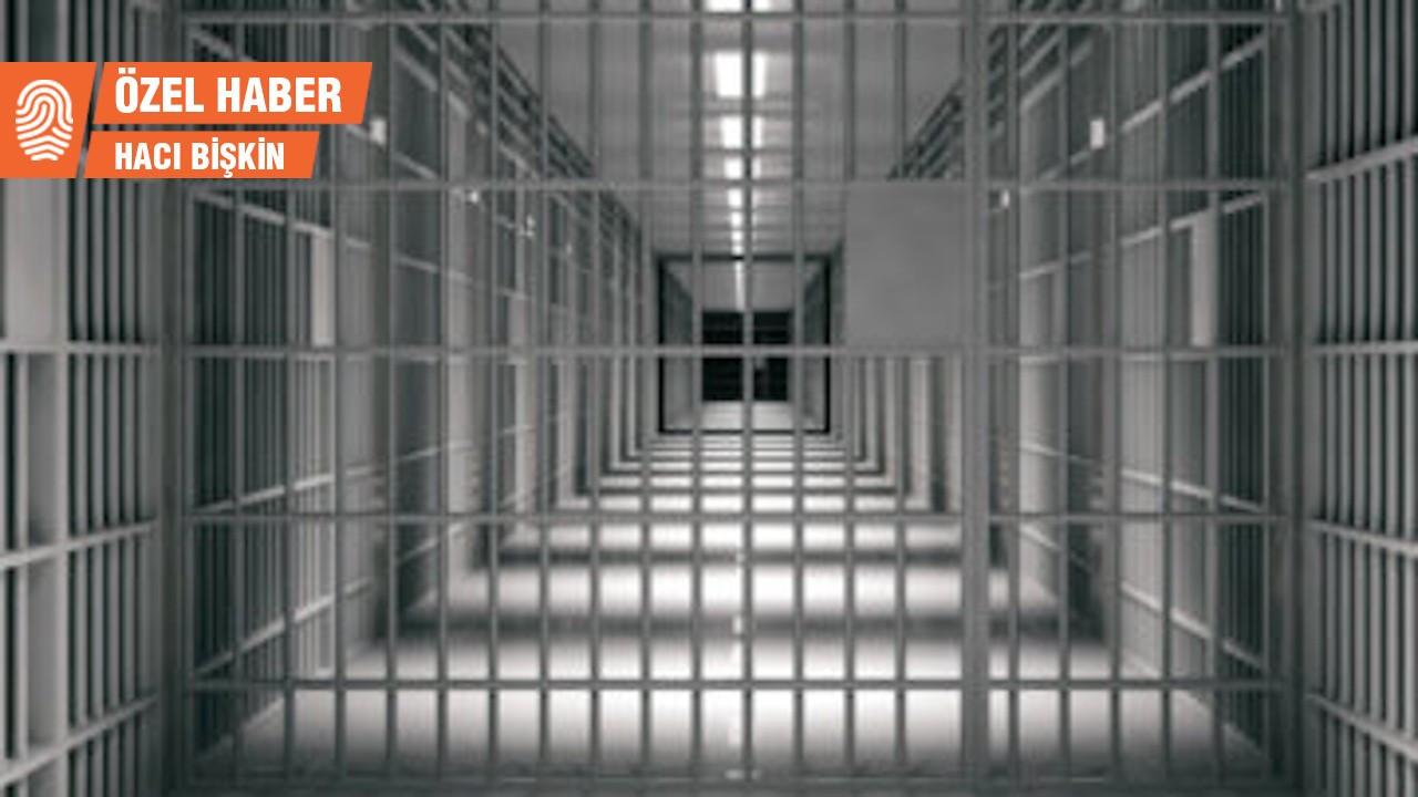 Cezaevindeki mahpusun annesi: Oğlumun parmaklarını kırdılar