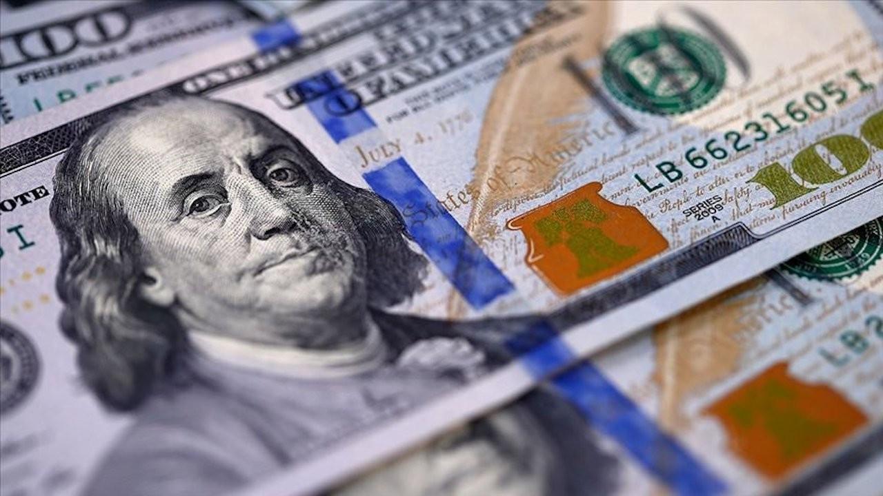 Dolar yükseliyor, TL yüzde 1 değer kaybetti