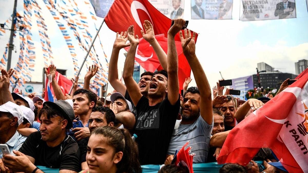 AK Parti seçmeni geri dönülemez eşiği aştı mı? - Sayfa 2
