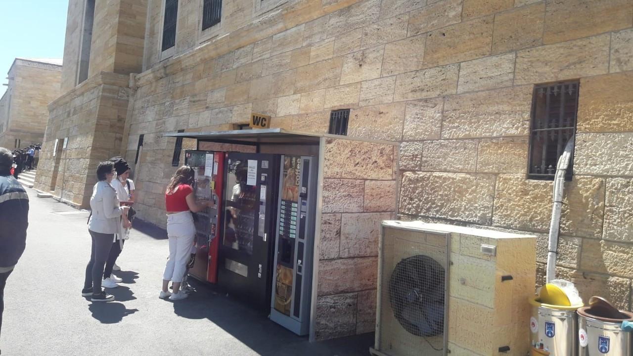 Anıtkabir'e ticari otomatlar konuldu, mimarlar tepkili: Yuh artık!