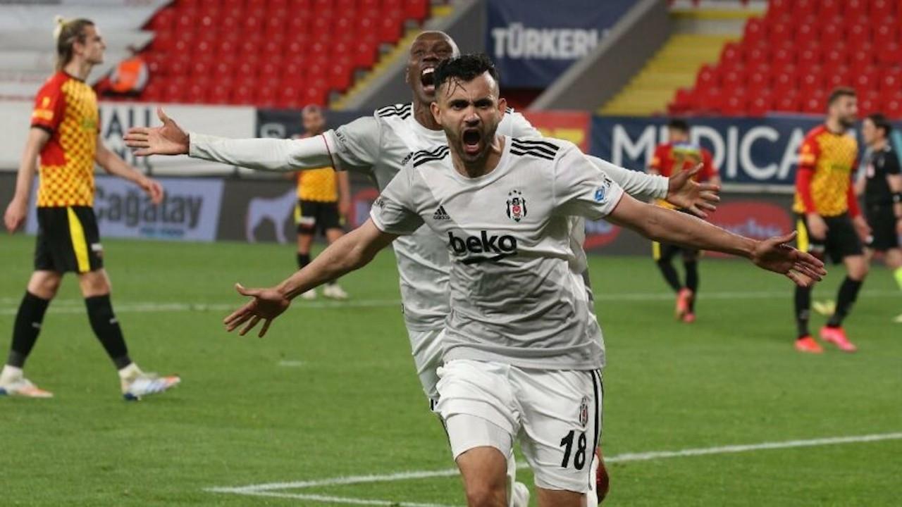 Beşiktaşlı futbolcuların şampiyonluk formaları satışta