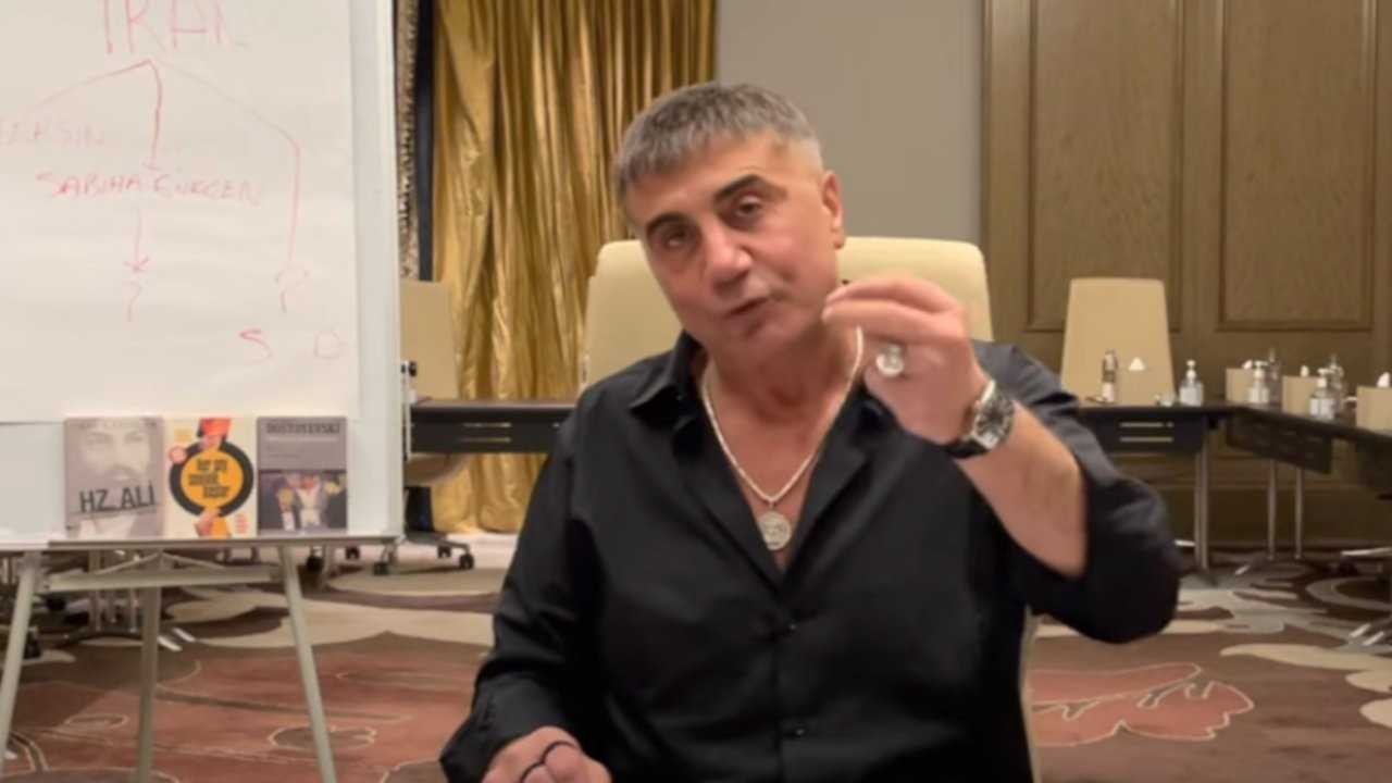 Sedat Peker'den 'İzmir limanına gelecek 5 ton kokain' iddiası
