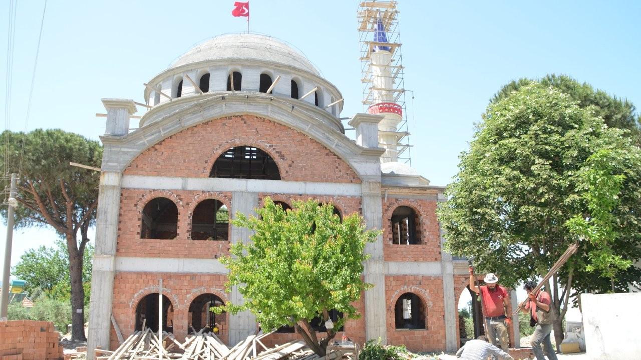 Kıblesinin yanlış olduğu 49 yıl sonra fark edilmişti: Yenisi yapılıyor