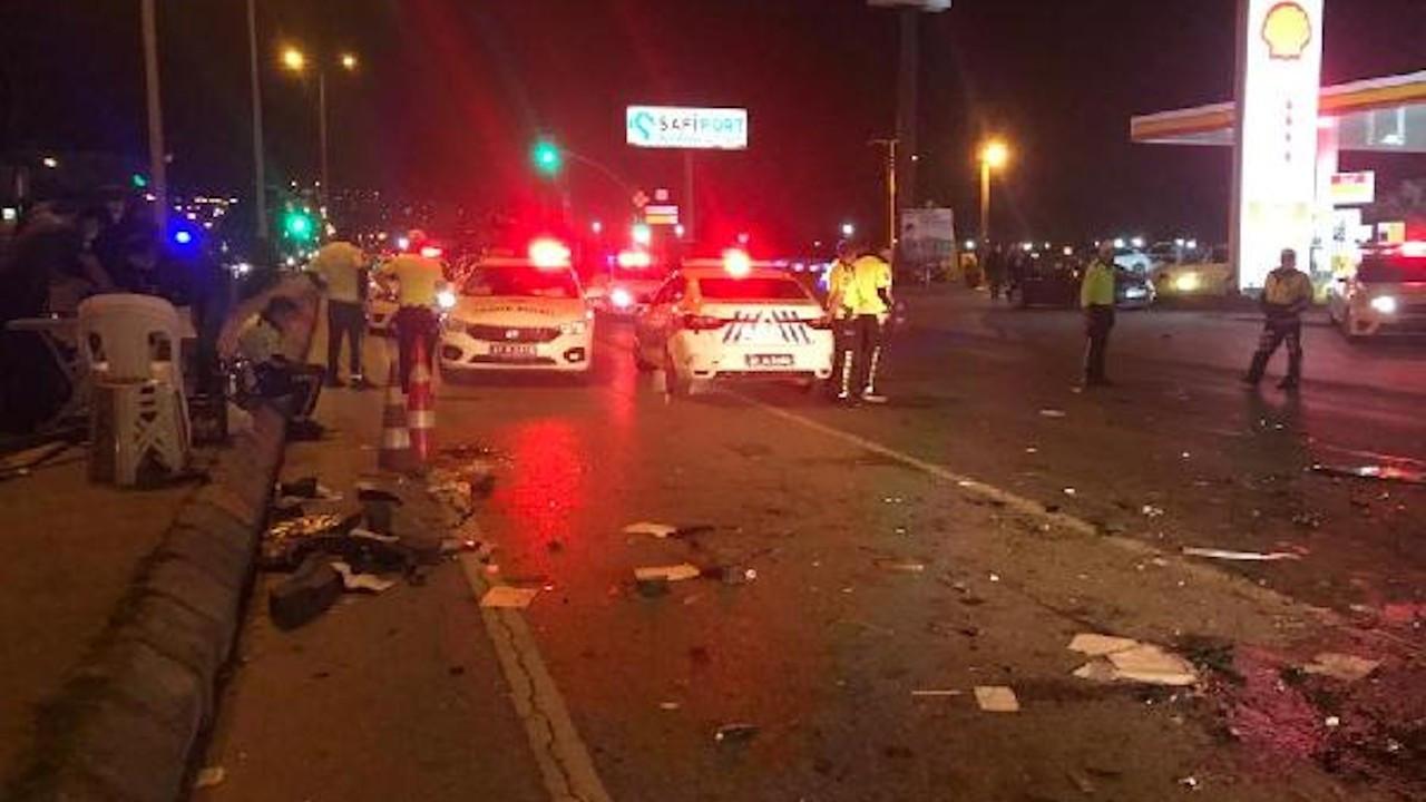Alkollü sürücü polis kontrol noktasına daldı: 1'i polis 3 yaralı