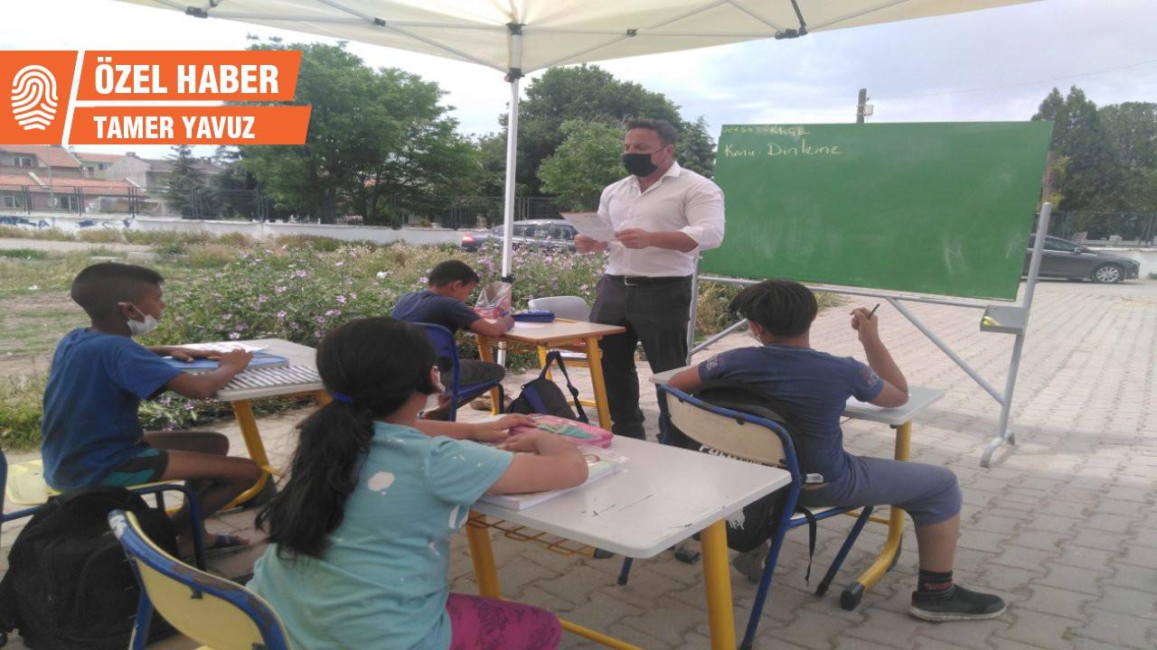 Pandemide alternatif eğitim: Edirne'de sokağa sınıf kuruldu