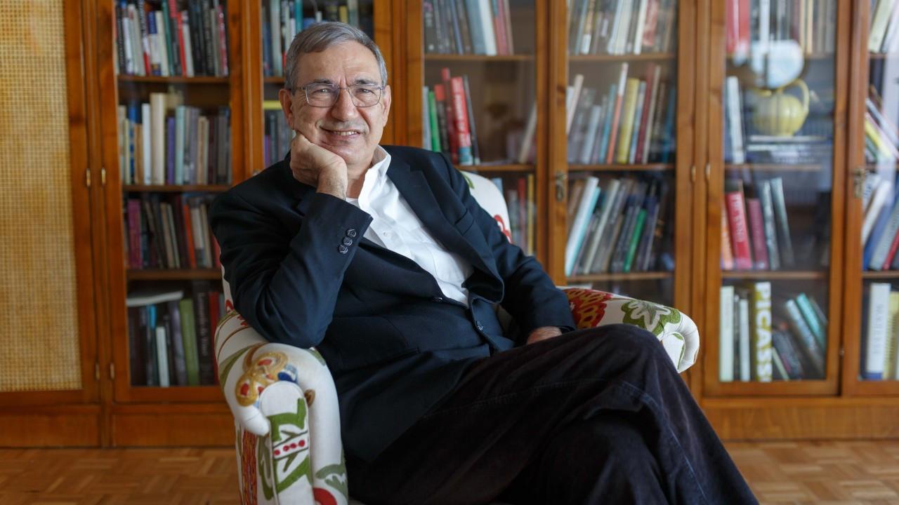 Orhan Pamuk: Siyasi laf edenleri sokakta dövüyorlar