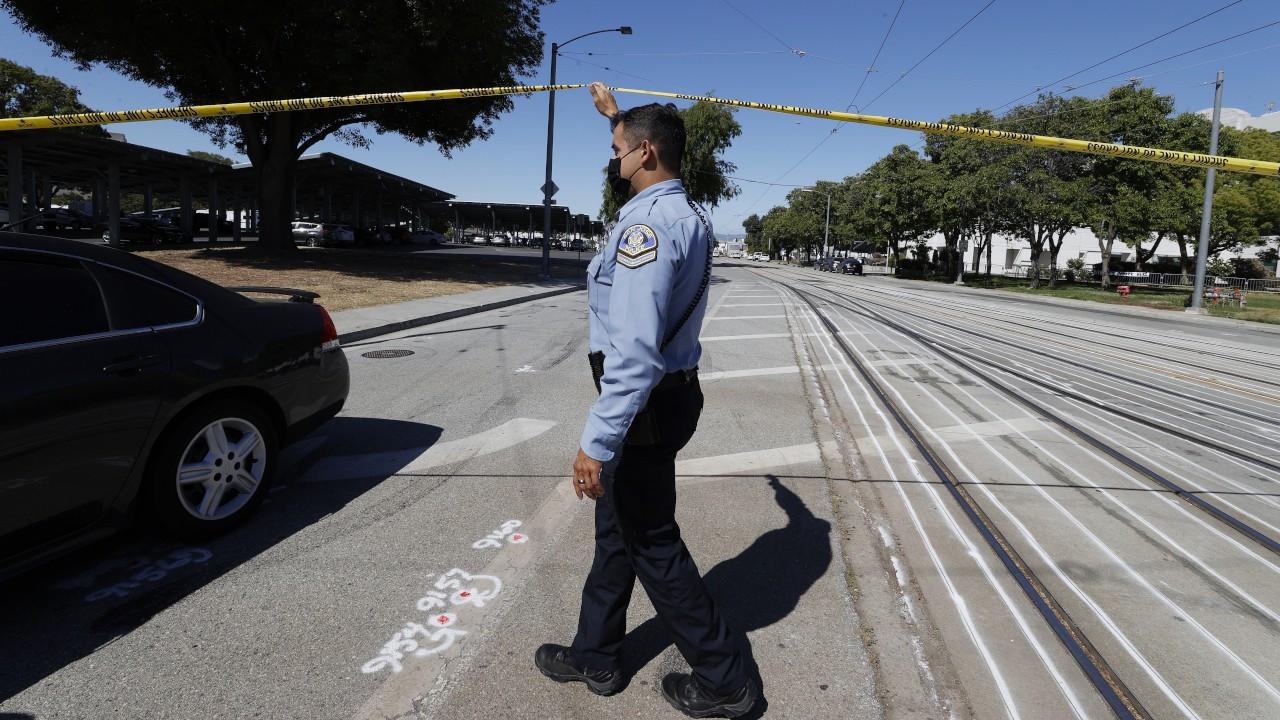 California'dasilahlı saldırı: 8 kişi öldü