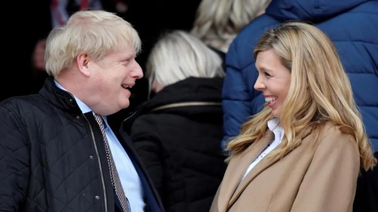 İngiltere Başbakanı Johnson 30 kişilik törenle evlendi