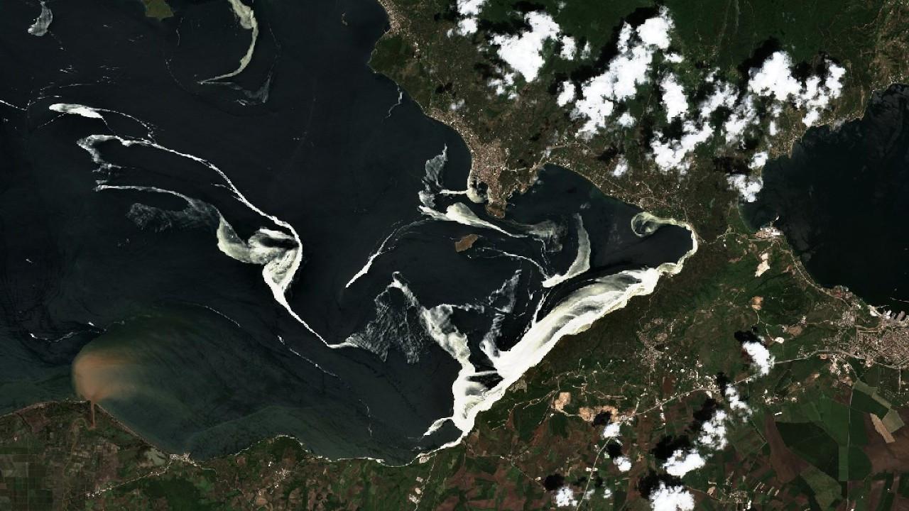 Uydu fotoğraflarından Marmara'yı 'öldüren' deniz salyası
