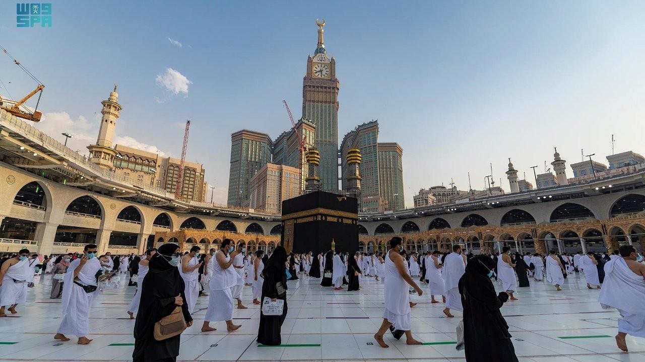 Suudi Arabistan'da ezanın sesi kısıldı, İslami İşler Bakanı 'Şikâyet geliyordu' dedi