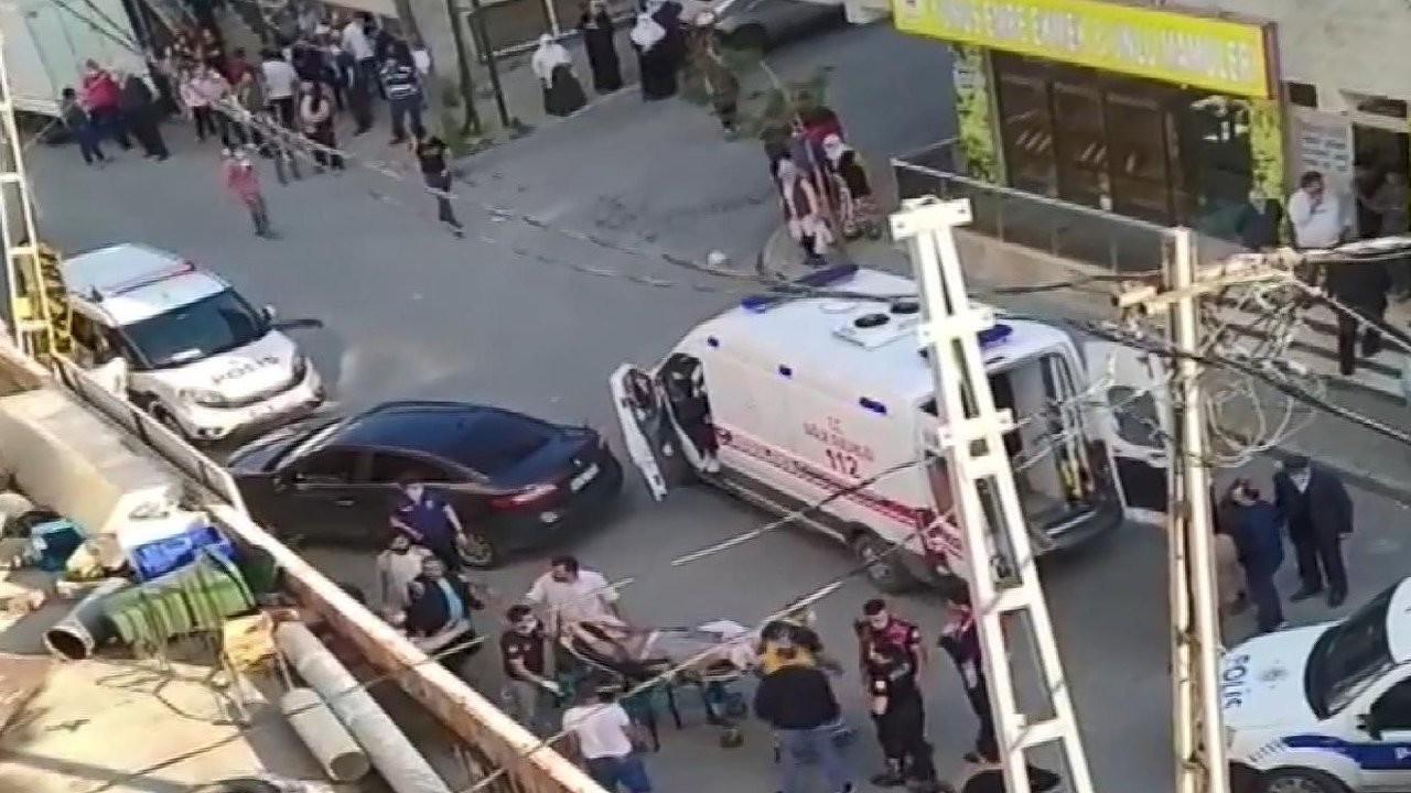 Sokakta silahlı kavga: 4 kişi vuruldu