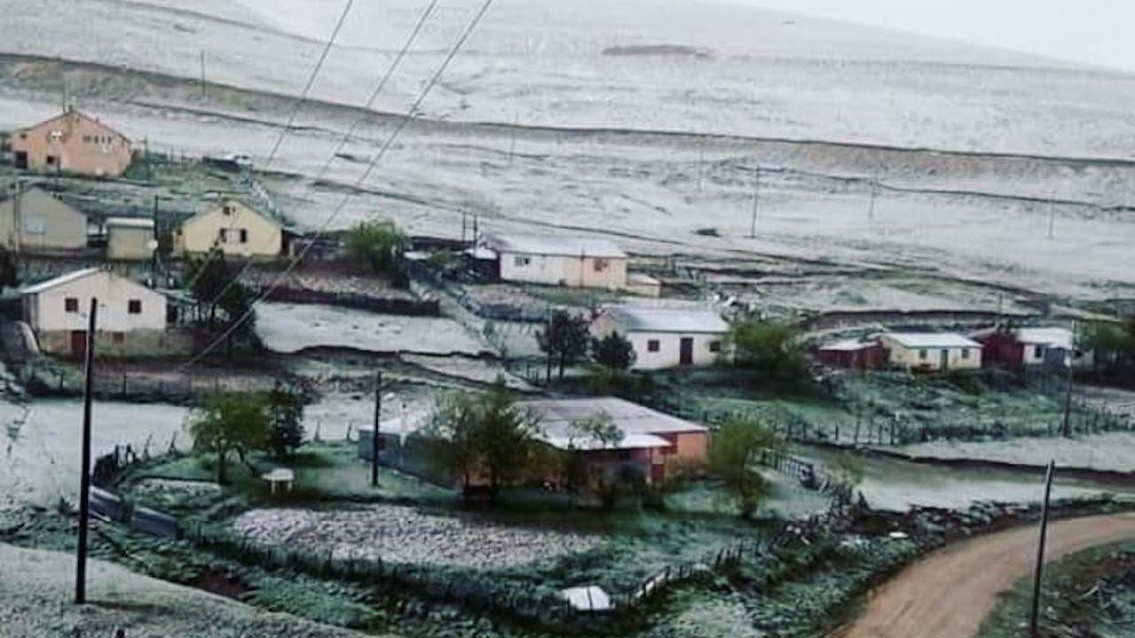 Karadeniz'de yaylalara kar yağdı