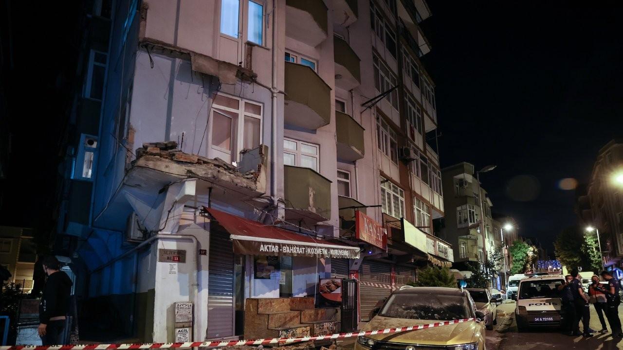 Avcılar'da bir apartmanın balkonu çöktü: Tahliye kararı verildi