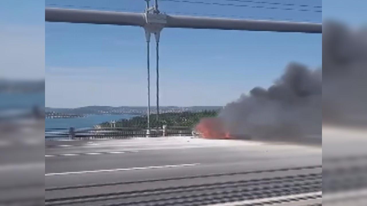 Fatih Sultan Mehmet Köprüsü'nde araç yangını