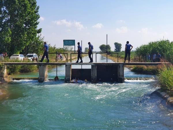 Adana'da ticari araç sulama kanalına devrildi, 2 kişi öldü - Sayfa 3