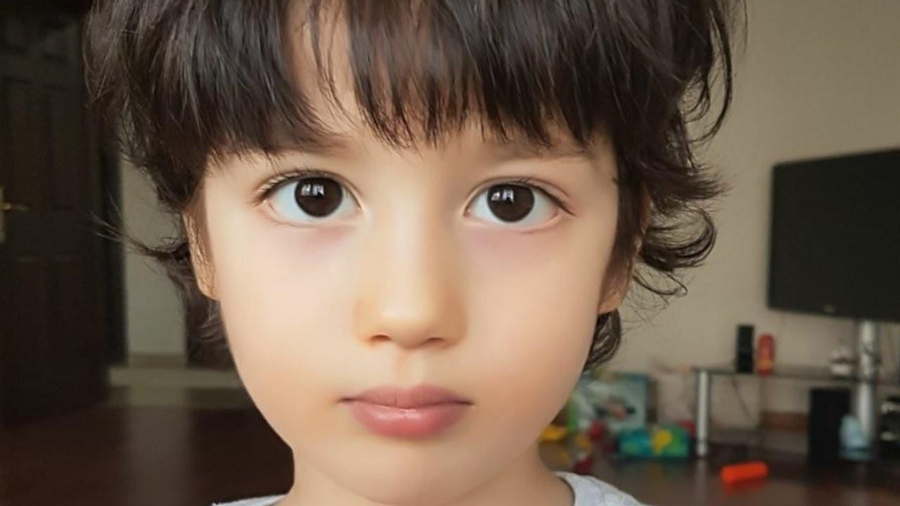 Doktor anne babanın Covid-19 geçiren 8 yaşındaki çocukları vefat etti