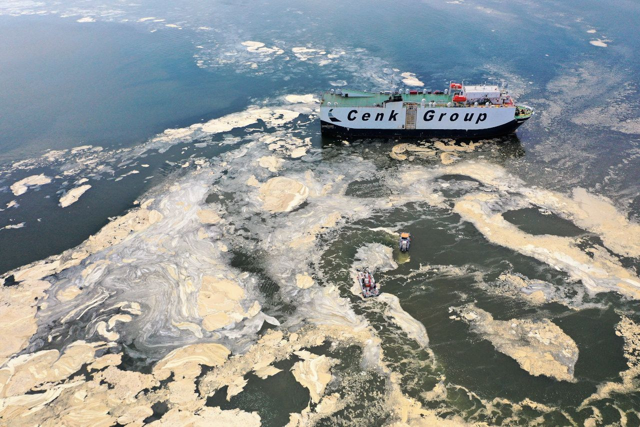 İzmit Körfezi'nde deniz süpürgesiyle musilaj temizliği; 2 ayda 200 ton - Sayfa 1