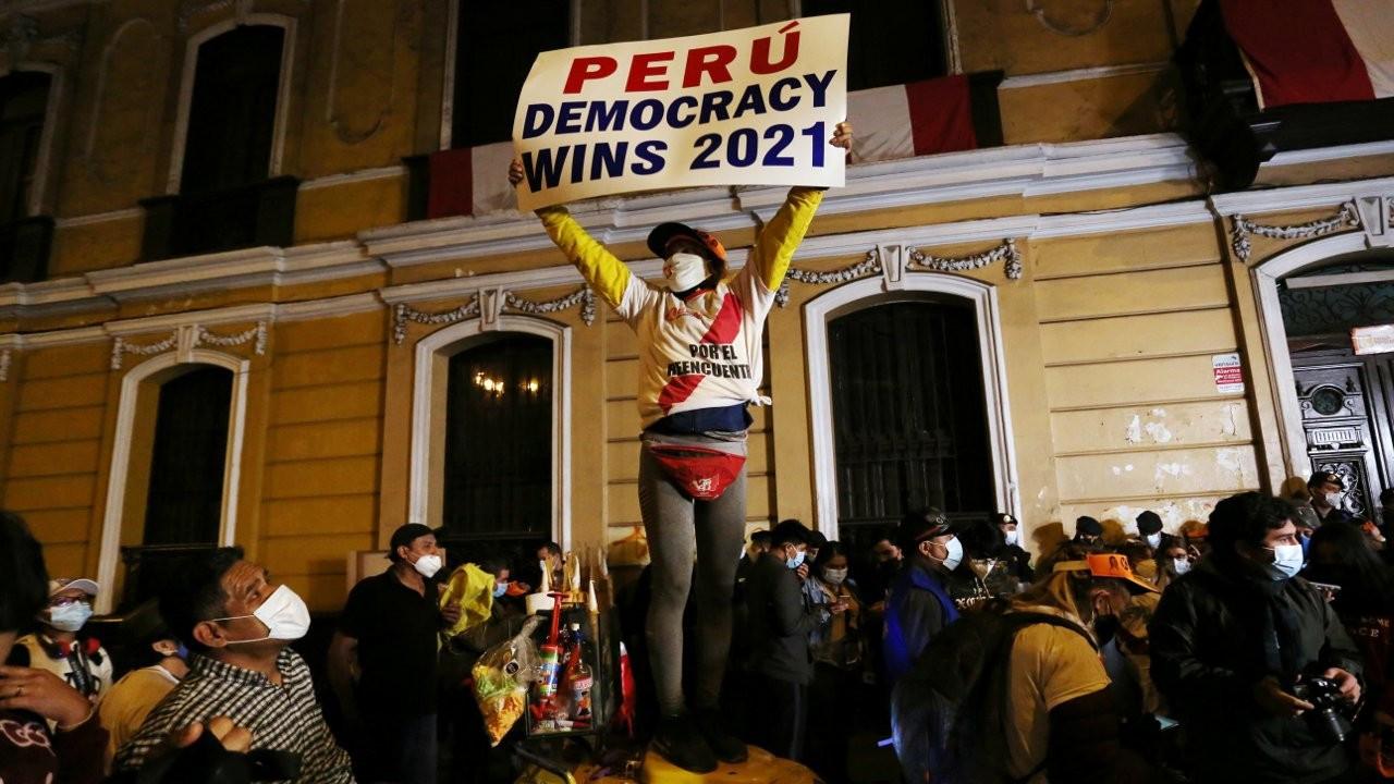 Peru nefesini tuttu: Kritik seçimde adaylar başabaş gidiyor