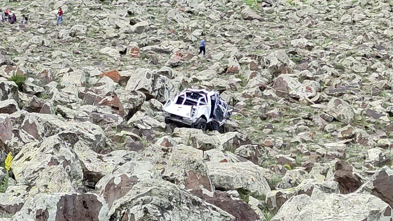 Kars'ta keşif yolunda kaza: 1'i asker 4 ölü, 1 yaralı