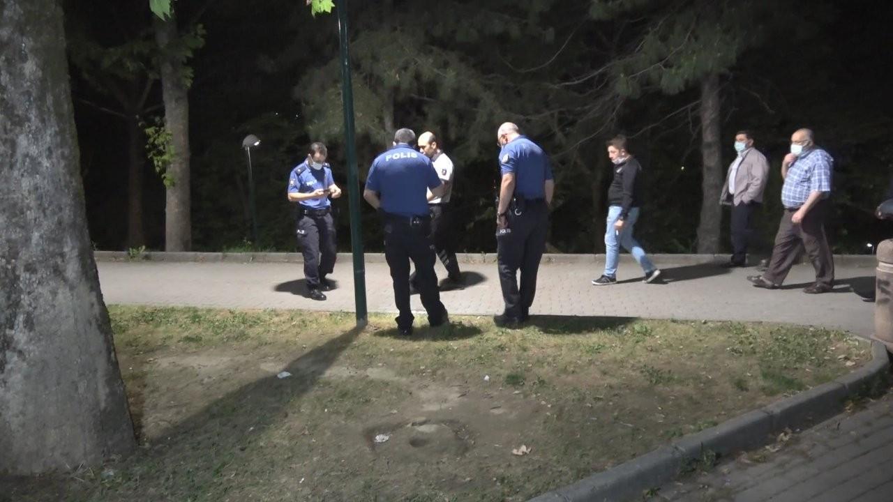 Lösemi hastası genci parkta bıçakladılar