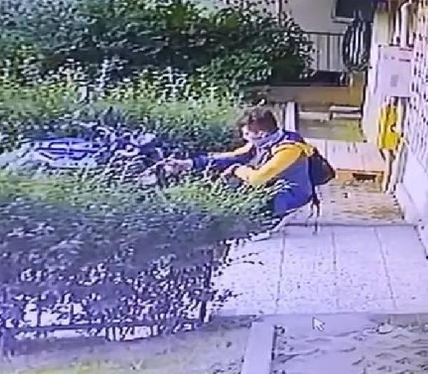 Baltalı motosiklet hırsızı kameraya yakalandı - Sayfa 3