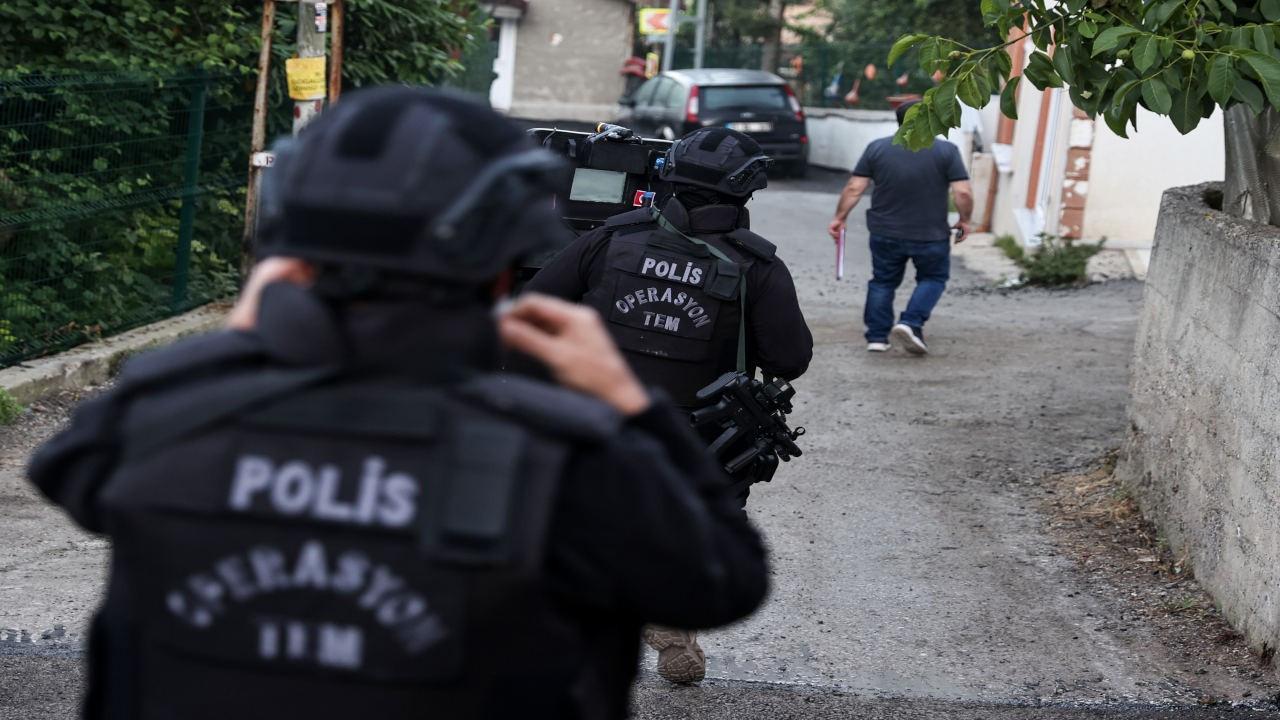 İstanbul'da HDP'li yöneticilere operasyon