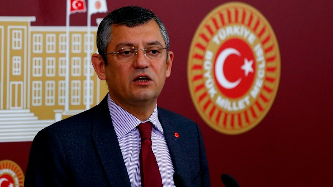 Özel'den Erdoğan'a: Suç işleri bakanı şantaj yapıyor, sen susuyorsun