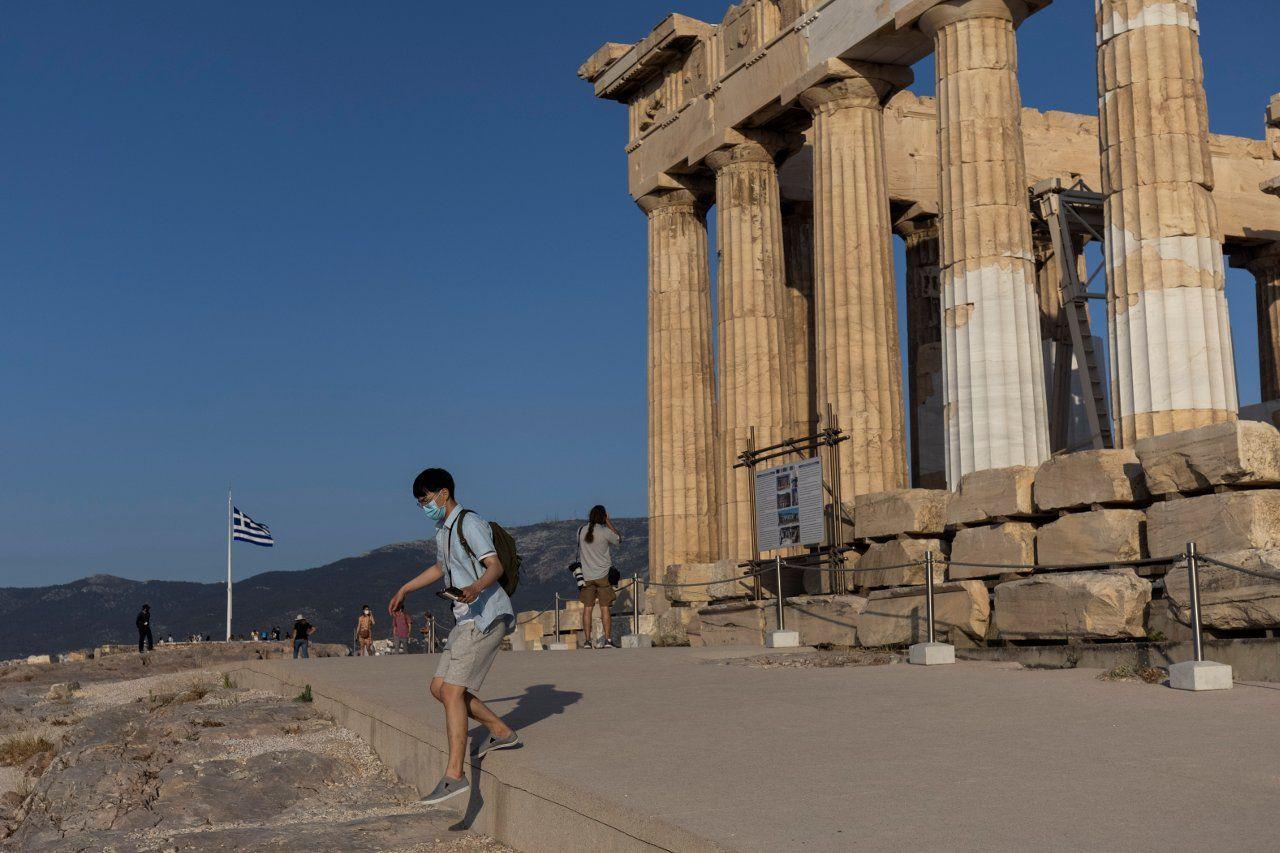 Atina Akropolisi'ne beton yol döşenmesi Yunanistan'ı karıştırdı - Sayfa 1