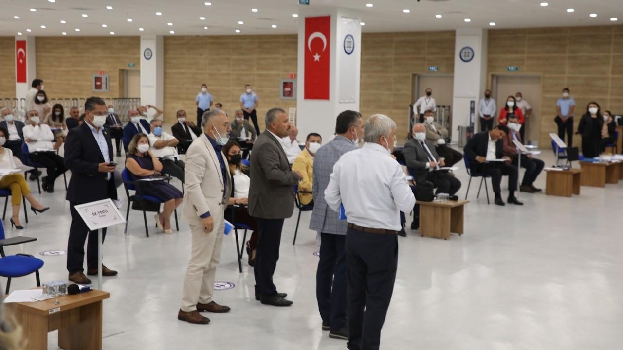Muğla'da Demirkan kınanınca AK Parti ve MHP'liler salonu terk etti