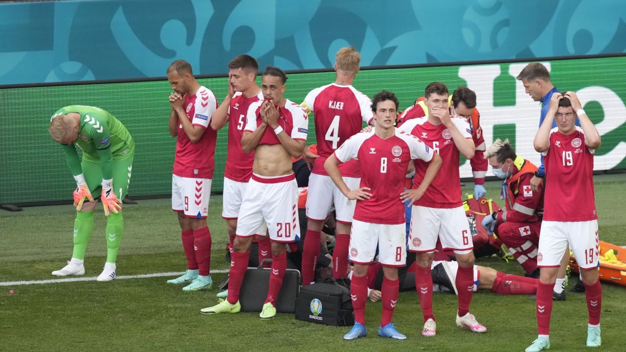Eriksen'in bilinci açık, maç bitti: Finlandiya 1 - Danimarka 0